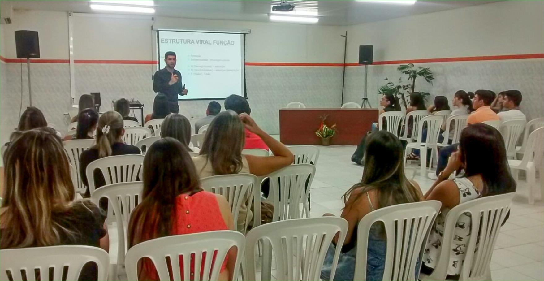 Curso de Biomedicina promove minicurso