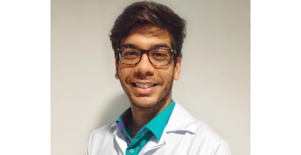 Egresso de Odontologia avança na área acadêmica