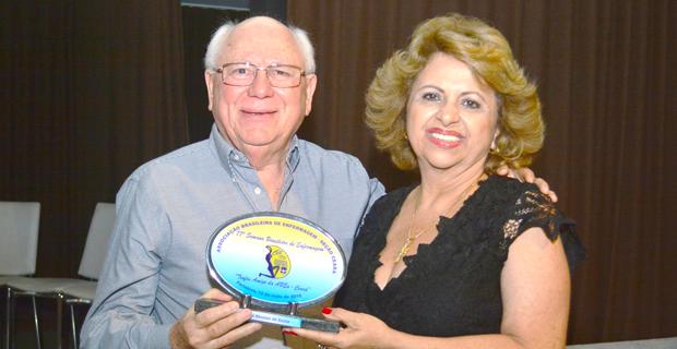 Reitor da UNICATÓLICA é homenageado pela ABEn Ceará