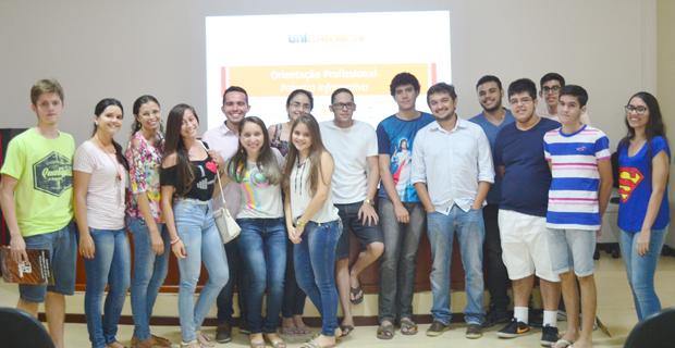 UNICATÓLICA recebe visita de alunos do Colégio Valdemar Alcântara e do Centro de Educação Profissional