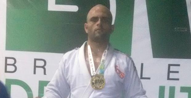 Atleta conquista ouro no Campeonato Brasileiro de Jiu-Jitsu