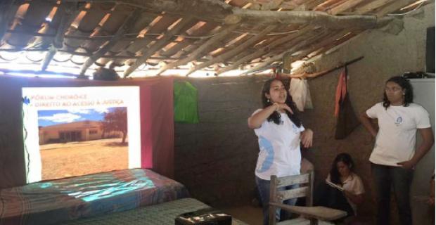 Coletivo de Assessoria Jurídica realiza visita à comunidade do Escondido
