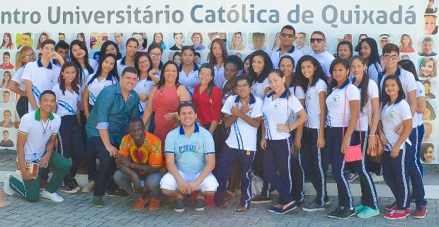 Escola Camilo Brasiliense visitam a UNICATÓLICA