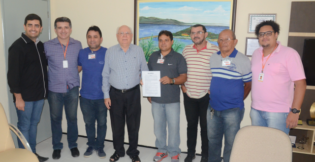 QUIXADÁ FUTEBOL CLUBE E UNICATÓLICA FIRMAM PARCERIA