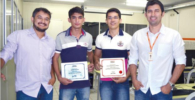 Acadêmicos recebem certificação Internacional na área de Desenvolvimento de Softwares